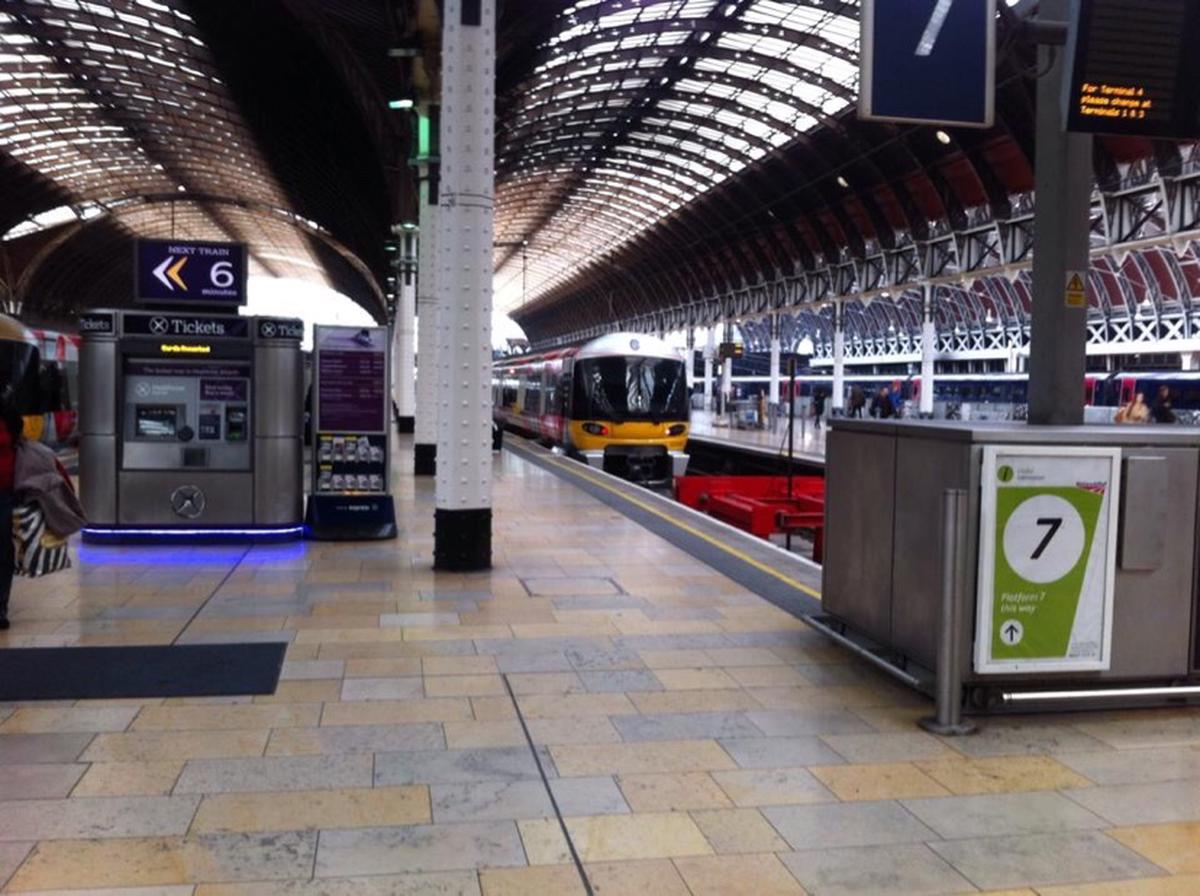Heathrow Express Standard and First Class Tickets in London