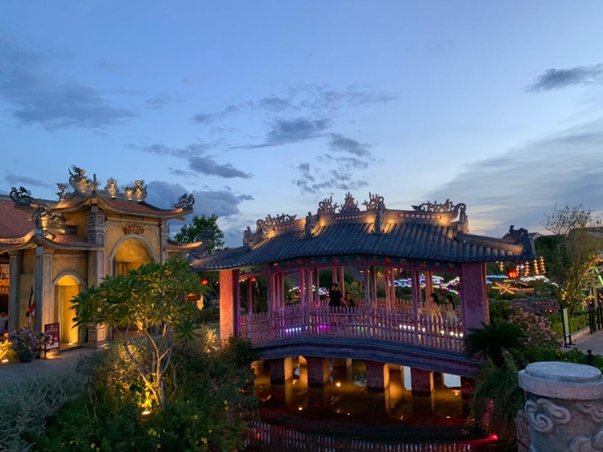 Hon Viet and Hoi An Impression Shows with Hoi An Impression Theme Park  Combo Tickets