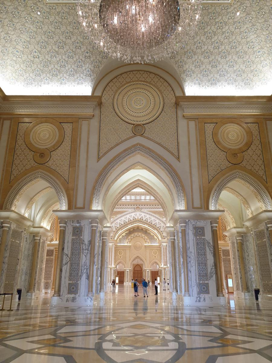 Abu Dhabi Sheikh Zayed Mosque & Heritage Village Half Day