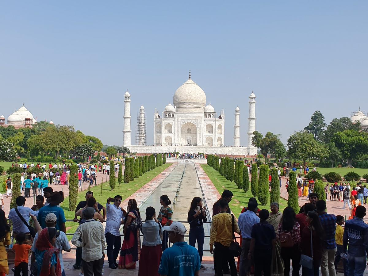 Image result for crowded taj mahal gate